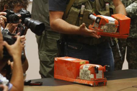 MH17 black boxes delivered to British investigators