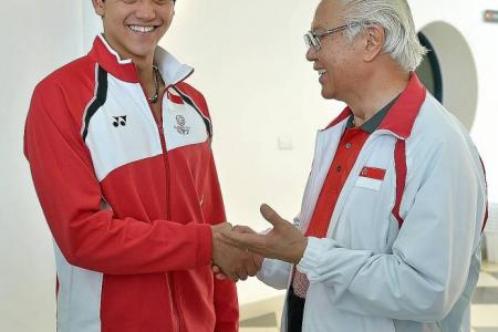 Schooling on course to win first Commonwealth Games medal
