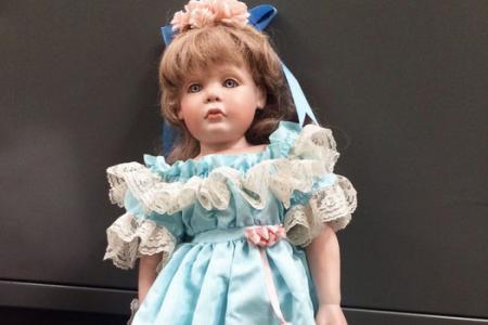 Lookalike porcelain dolls left on girls' doorsteps