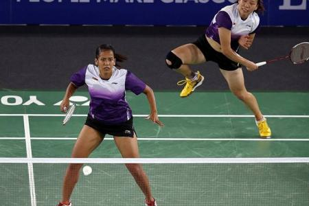 Shuttlers celebrate bronze medal in mixed team event