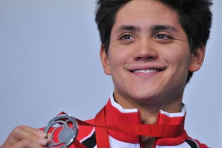 Schooling wins historic Commonwealth Games swimming medal