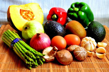 Fruit and veg: Five-a-day is okay, says study