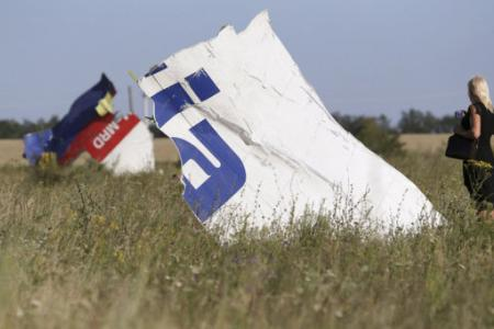 Australia: Priority on bringing MH17 dead home, not sanctions