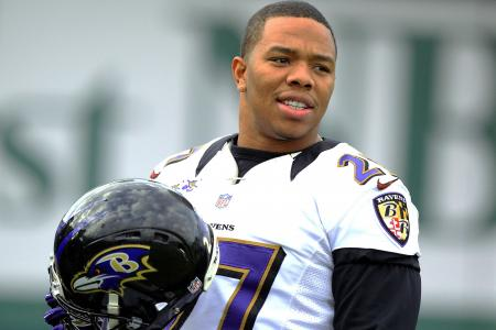 NFL's Rice publicly apologizes for hitting wife