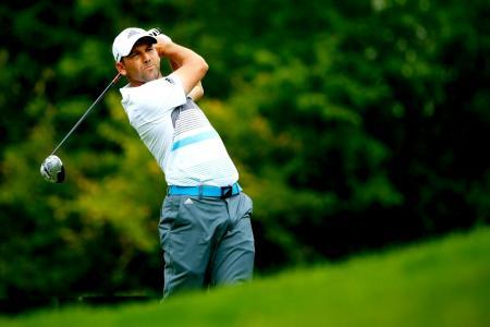 Golfer Sergio Garcia's wild swing knocks diamond off woman's ring