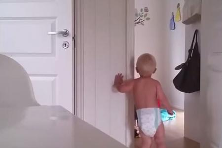 WATCH cute time-lapse video of mum unsuccessfully putting twins to bed