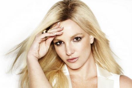 Britney Spears shows off hot bod in unretouched photo