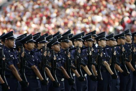 New bonuses for new cops