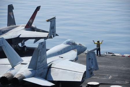 US aircraft bomb Islamic State artillery in Iraq: Pentagon