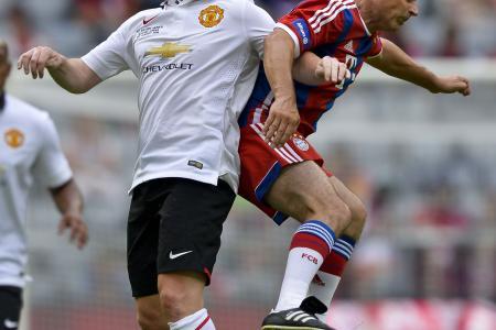 World Cup winner Schweinsteiger asks and gets football hero Scholes' shirt at half-time