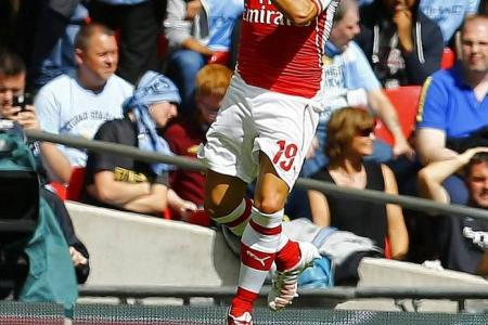 Gunners sink the Blues of Manchester