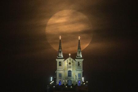 GALLERY: Supermoon lights up night skies