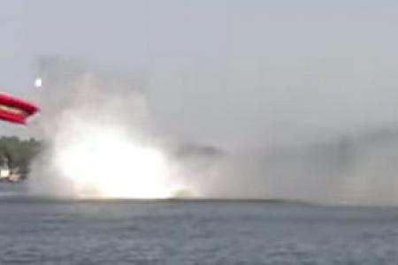 Video: Speedboat goes airborne and flips before crashing