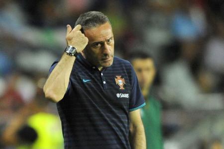 Portugal sack Bento
