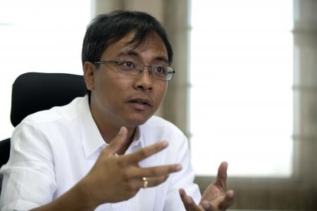 Philippine envoy to walk 1,000km in climate change march