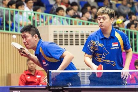 Gao and Li secure at least a bronze in men's doubles