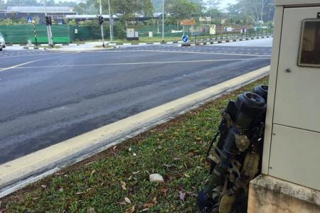 Dummy weapons found lying near road junction around Sungei Tengah