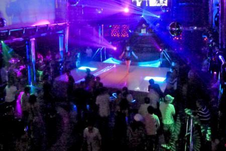 Bad taste? Posh UK club to hold Ebola-themed Halloween party