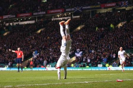 Rooney four goals away from overtaking Charlton's record
