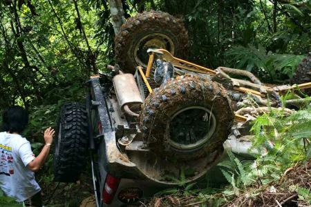 S'porean driver hurt in M'sian jungle as off-road vehicle flips downhill