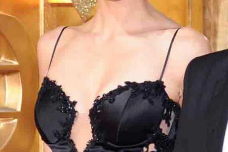 Samantha Ko flaunts 'assets' at TVB Awards