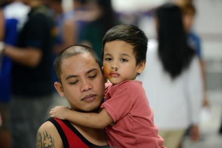 New Year firecrackers and gunfire hurts hundreds in Philippines