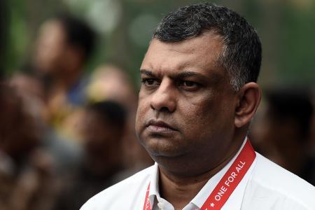 Tony Fernandes: Jet did not have 'stalled engine'