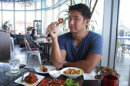 Celeb Chow: TV hunk Dominic Lau is a carb monster