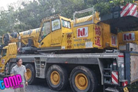 WATCH: Mobile crane rams into 12 vehicles along KJE