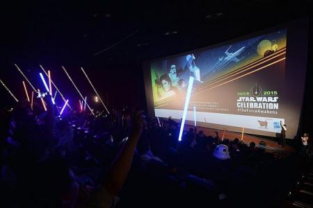Star Wars simul-cast event wows local fans