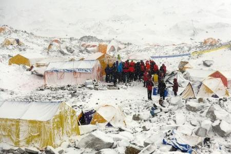 S'pore Everest team's narrow escape from avalanche in Nepal