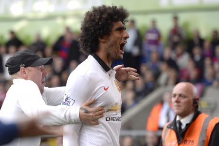 Man Utd close in on Champions League return