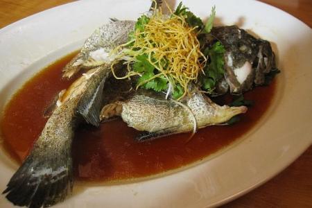 Hossan Leong says rojak best represents history of S'pore food culture