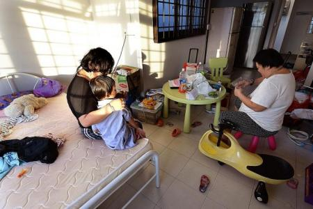 Girl, 4, being raised by schizophrenic mum and aunt