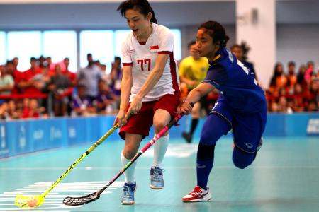 S'pore floorballers survive scare to beat Thailand in final