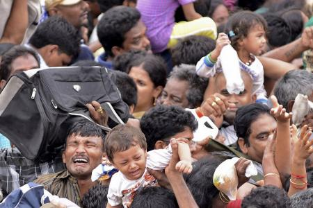 27 killed in religious festival stampede in India