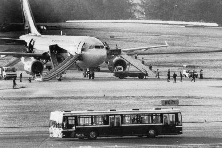 1991: Commandos storm plane, terrorists shot dead