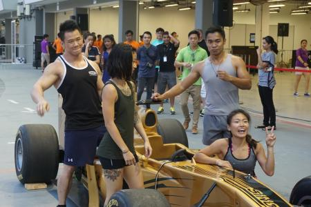 Fitness enthusiasts give F1 drivers' training routine a shot