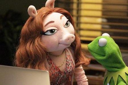 Is Kermit the Frog seeing a new woman?