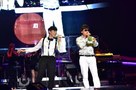The Unbelievable duet between JJ Lin and Chen Tianwen