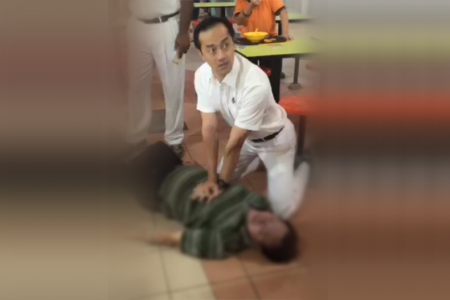 WATCH: PAP candidate Koh Poh Koon performs CPR on unconscious man at Ang Mo Kio