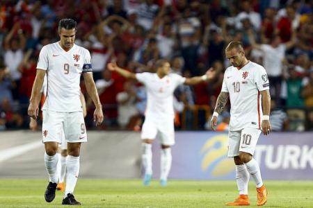Hopeless Holland on the way out after losing 3-0 to Turkey