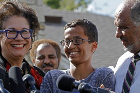 Muslim teen arrested for homemade clock invited to the White House