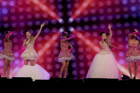 Lee Pei Fen steals the show at Getai Awards in centaur costume