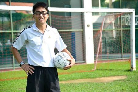 Ex-mentor inspires Yangzheng teacher Chan to be players' guiding light
