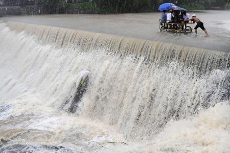 Typhoon Koppu: 16 dead, 60,000 displaced