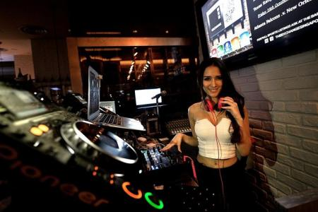 Confessions of a house deejay
