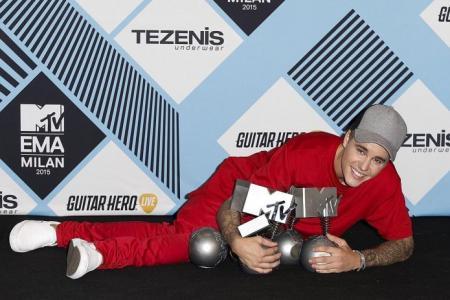 Justin Bieber wins 5 awards at MTV Europe Music Awards