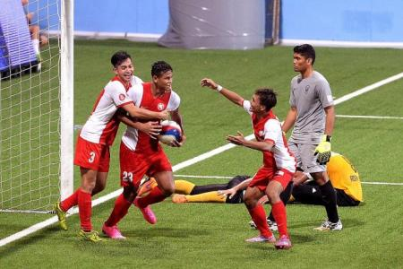 Irfan rescues Young Lions against Harimau Muda
