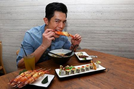 Zhang Yaodong raves about halal ramen